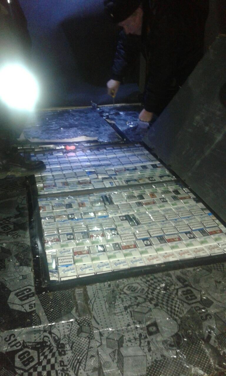 На Берегівщині в українця вилучили мікроавтобус з контрабандою