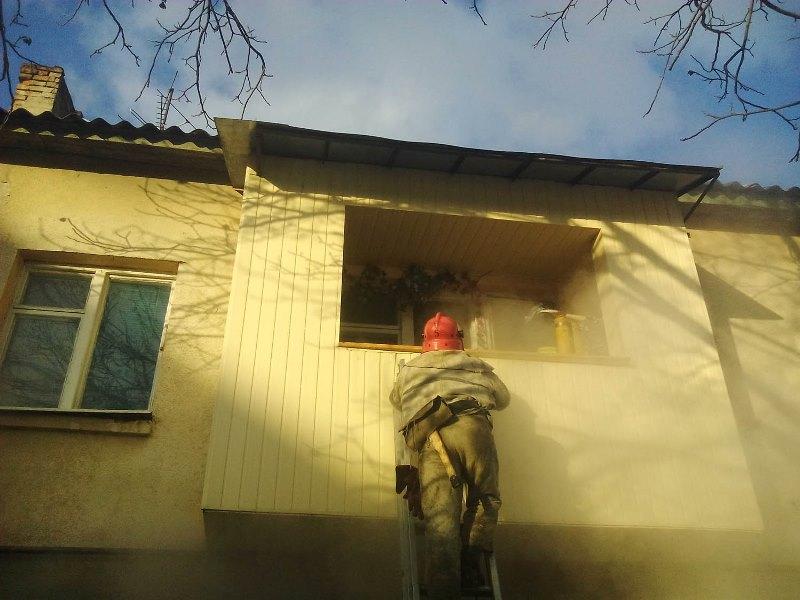 В Іршава під час пожежі у квартирі одну людину врятовано, трьох – евакуйовано