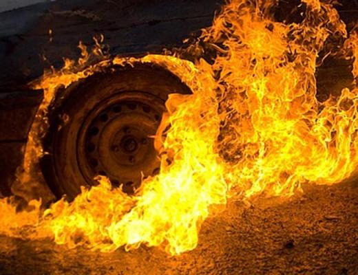 В Ужгороді вночі згорів «ВMW Х5»