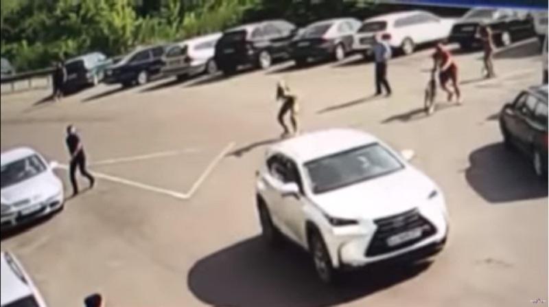 НаЗакарпатті авто в'їхало вшлагбаум і травмувало прикордонника