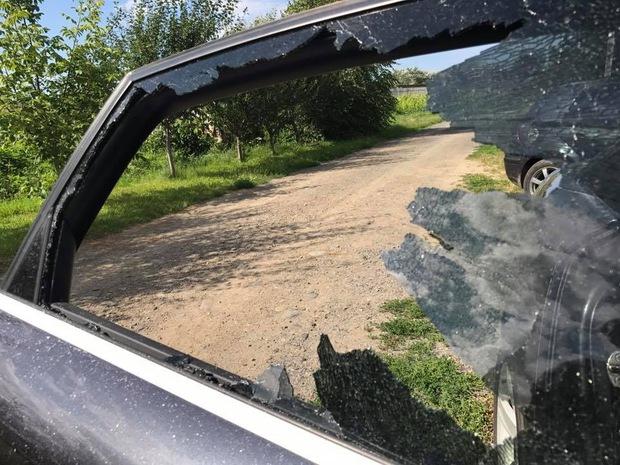 Ужгородському журналісту пошкодили автомобіль