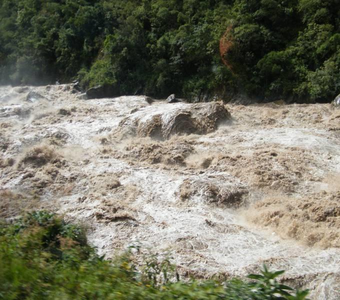 На річках Закарпаття оголосили штормове попередження