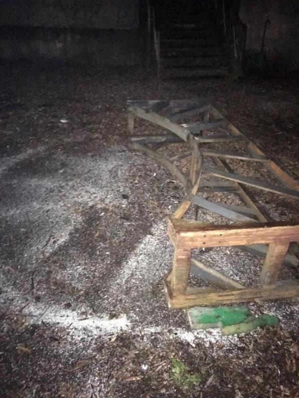 На Мукачівщині затримали 12 осіб, які розпилювали на метал обладнання заводу