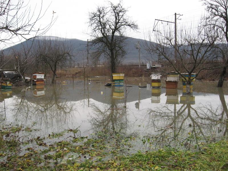У Перечині розлилася річка – води підтопили водозабір. ФОТО