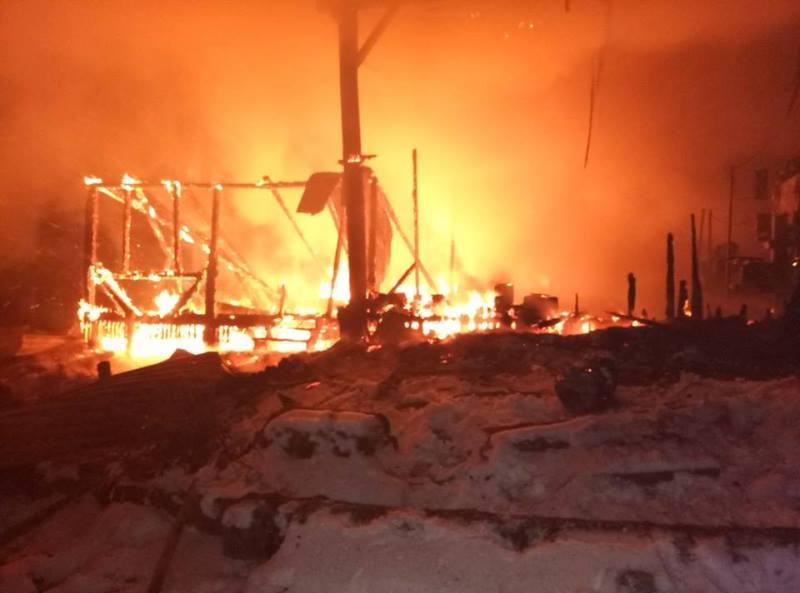 В Долинському районі трапилася пожежа поруч нафтової свердловини