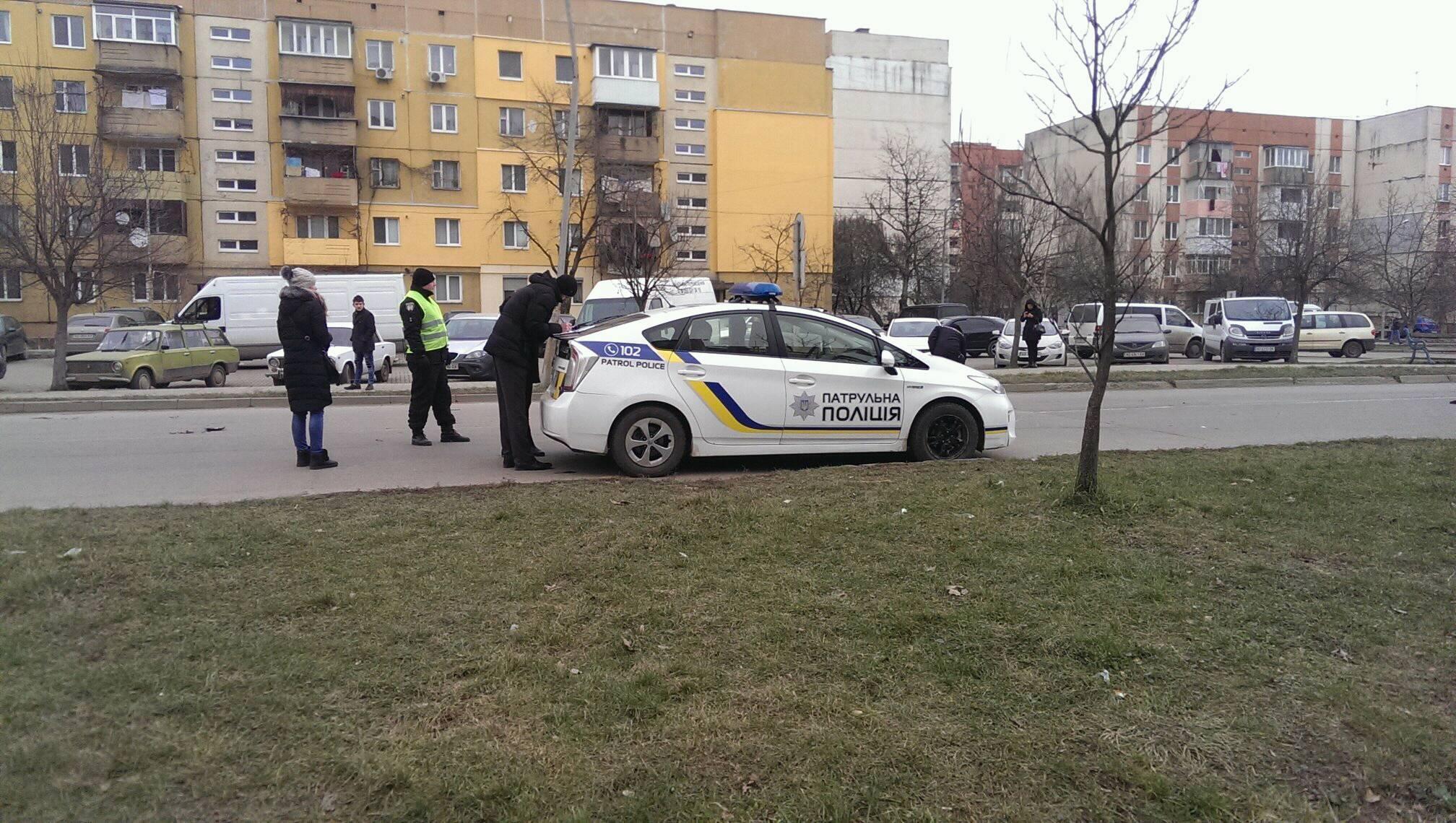 У Новому районі Ужгорода велосипедист попав під колеса іномарки