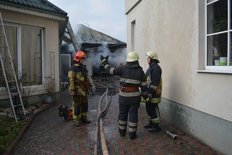 На вулиці Гойди в Ужгороді горів житловий будинок