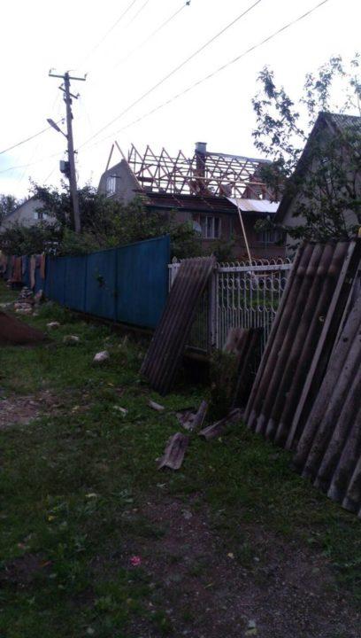 Буревій на Закарпатті: пошкоджений дитячий табір, знесені дахи на будівлях, поламані електричні стовпи. ФОТО