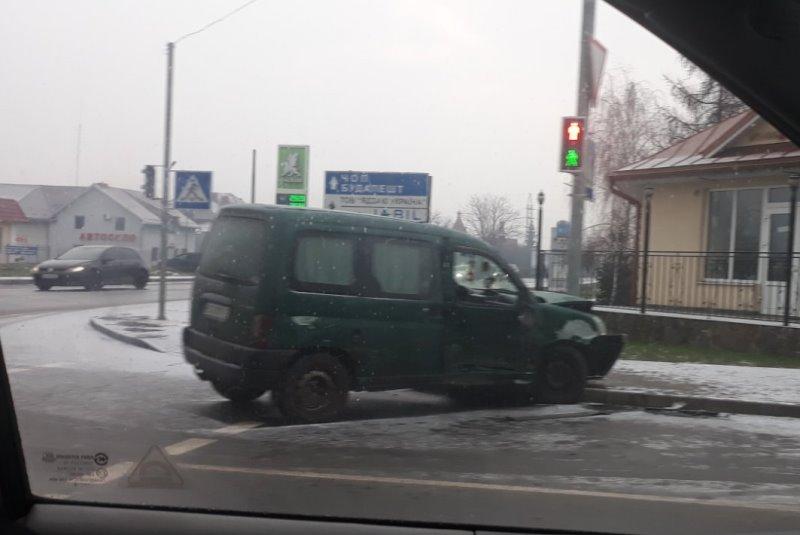 В Ужгороді на перехресті Можайського та Минайської ДТП. Фото