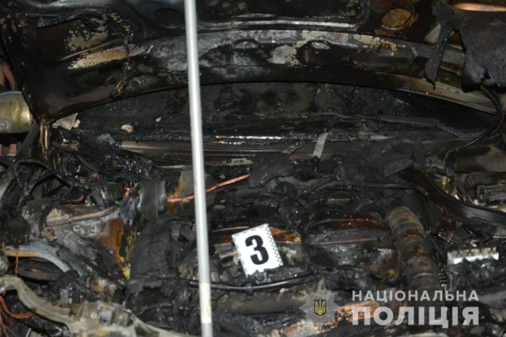 У Тячеві чоловік підпалив авто колишньої дружини (ФОТО)